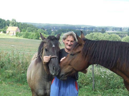 Janusz Malkowski ze swoimi końmi